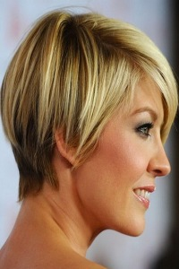 best-short-haircut-for-thick-and-wavy-hair